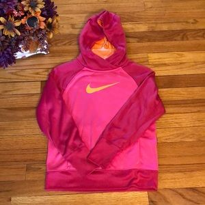 Girls Nike Therma Fit Hoodie Size Large